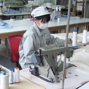 おふとんの縫製