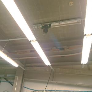 検品室の天井にもカメラが!